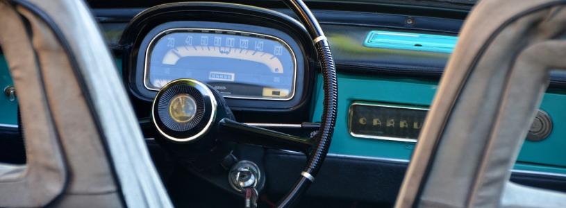 stluczka pozyczonym autem